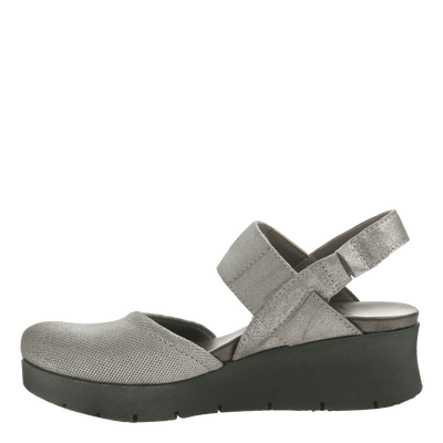 Women's low strappy wedge the roadie in grey silver inside view