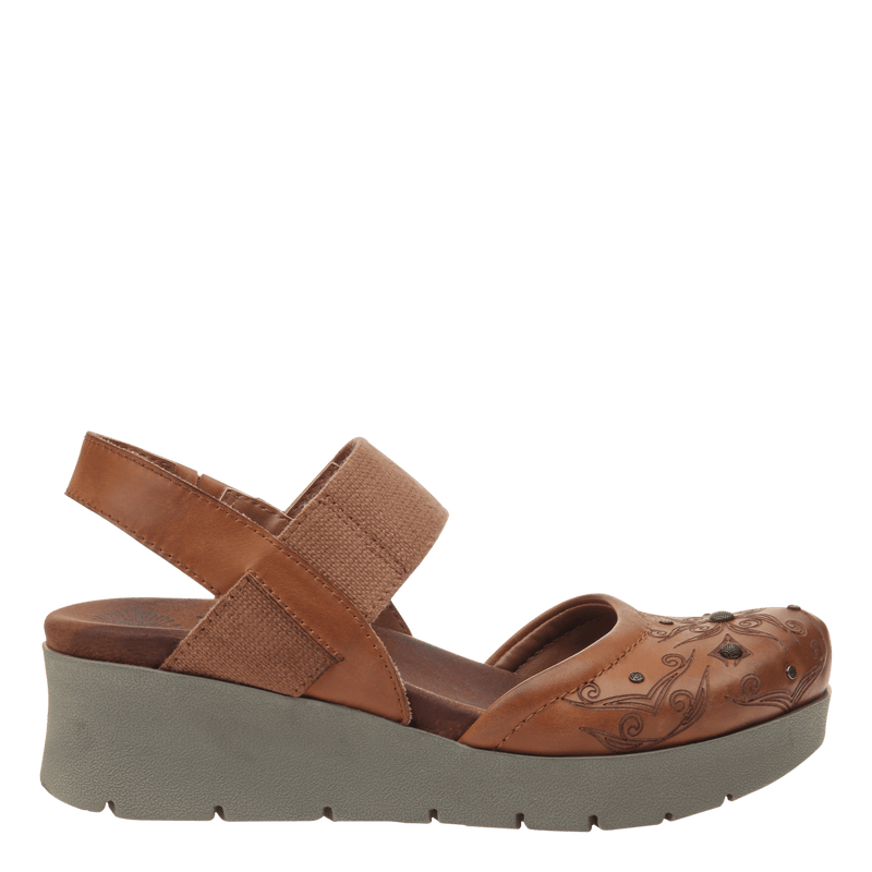Womens platform mary jane Roadie in tobacco