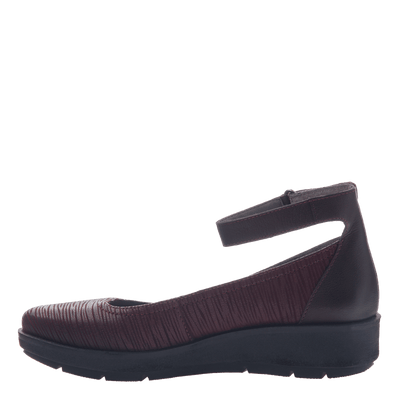 Womens ballet flat the scamper in burgundy inside view