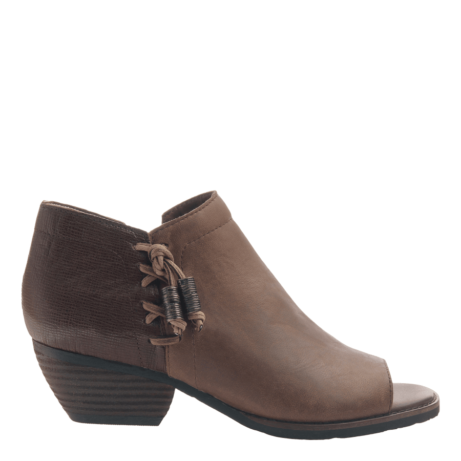 Women's open toe bootie truckage in rich brown