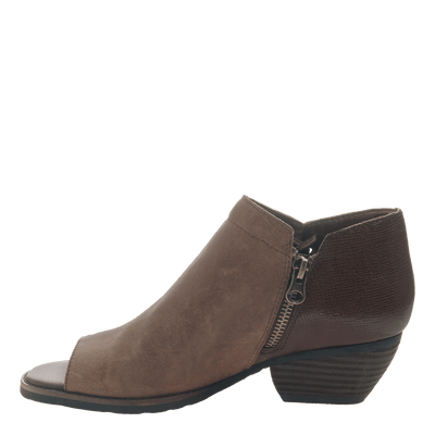 Women's open toe bootie truckage in rich brown inside view