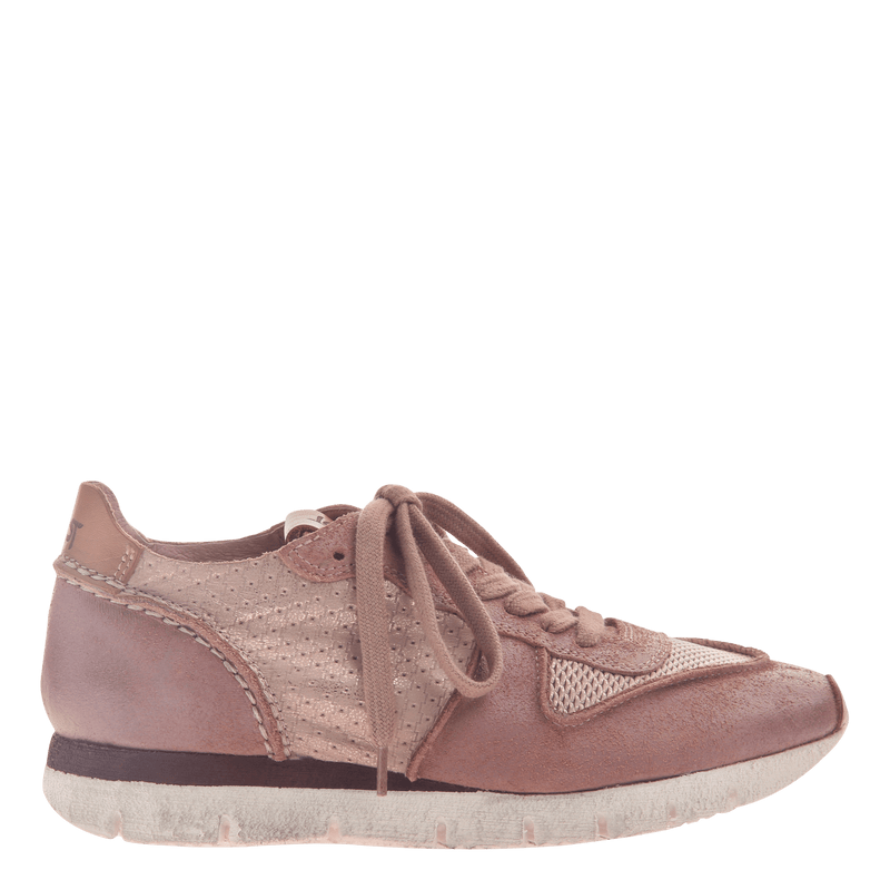Women's lightweight sneaker Snowbird in Salmon