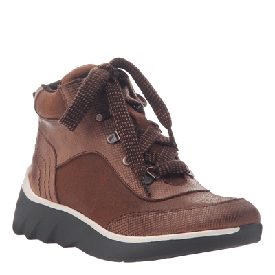 Women's hiker boot the commuter in New Mid Brown