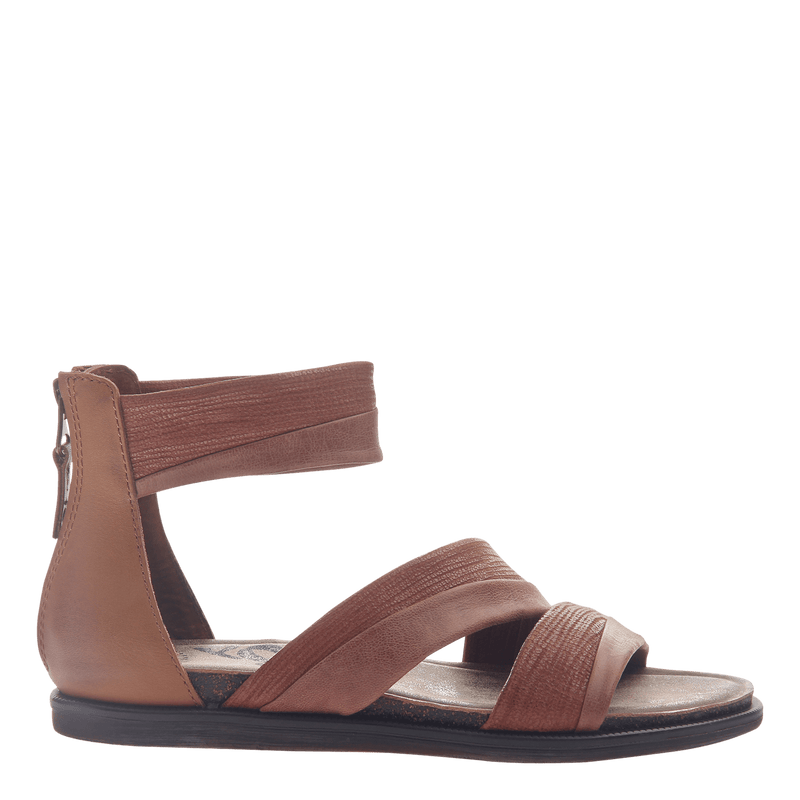 Womens flat sandals Souvenir in Sangria