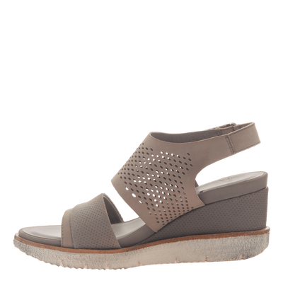 Womens light weight sandal wedge Milky Way in Cocoa inside view