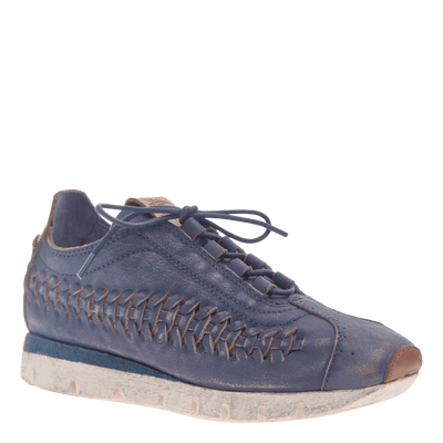 Womens cut out sneaker Nebula in King Blue