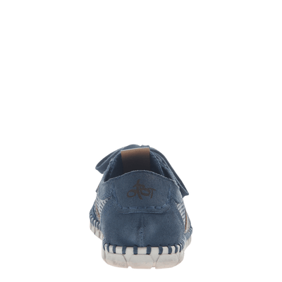 Womens flex sneaker comet in marine back view