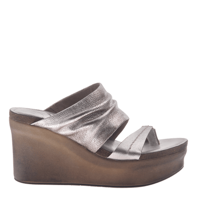 Womens wedge tailgate in silver side view