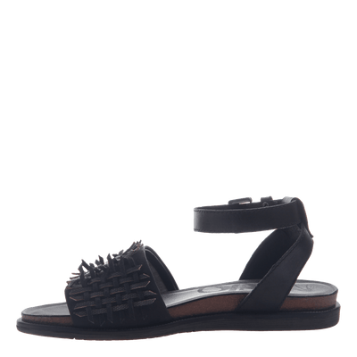Womens flat sandal voyage in black inside view