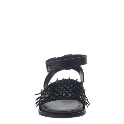 Womens flat sandal voyage in black front view