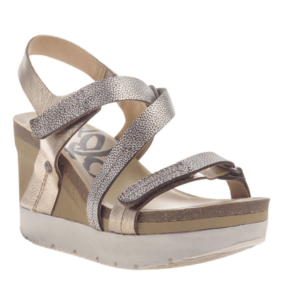 d1c5cd70100 Womens wedge sandals wavey in gold