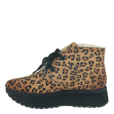 WANDER in LEOPARD PRINT, left view
