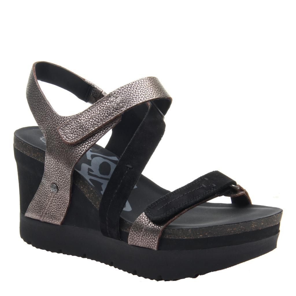 WAVEY in BLACK Wedge Sandals