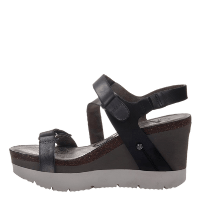 Womens wedge sandals Wavey in new black inside