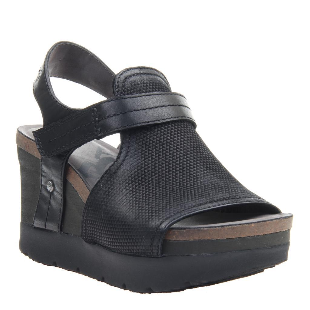5326488aae9e Waypoint in Black Wedge Sandals