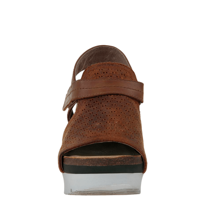 Waypoint wedge in new tan front