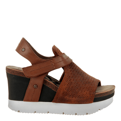 Waypoint wedge in new tan side