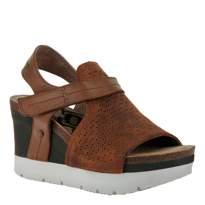 Waypoint wedge in new tan