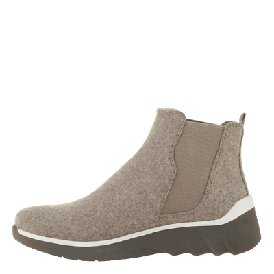 Womens cold weather boot wilderness in taupe inside