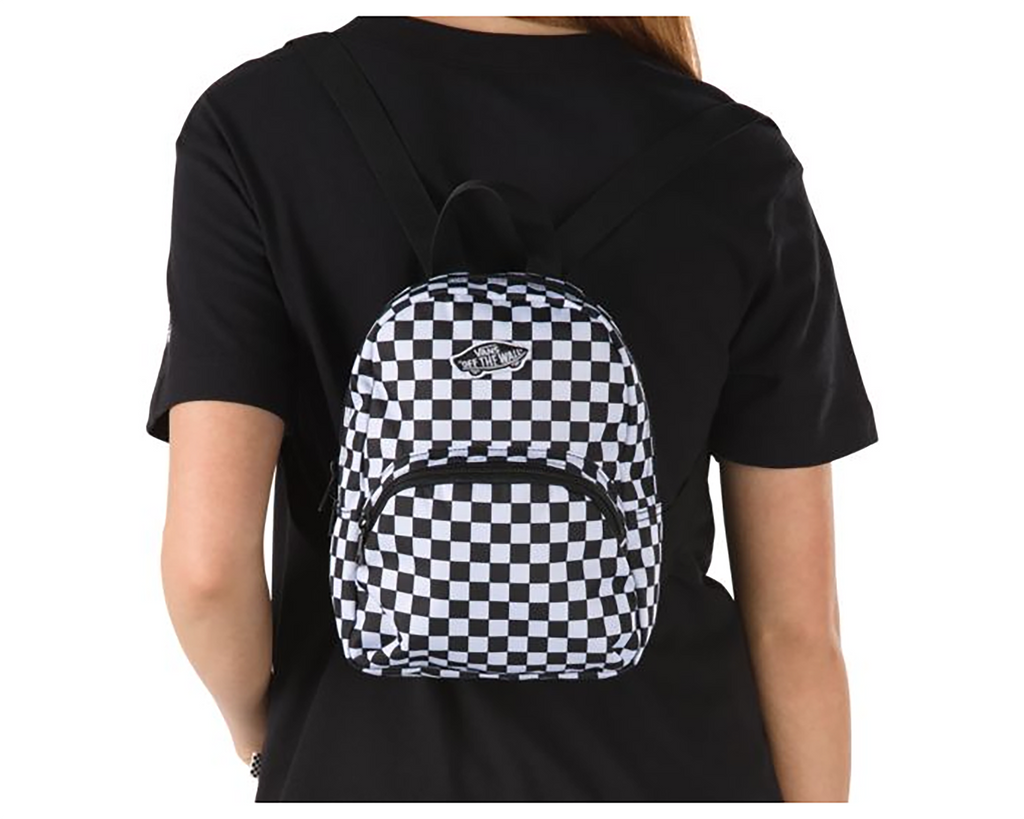 BLACK WHITE CHECKERBOARD
