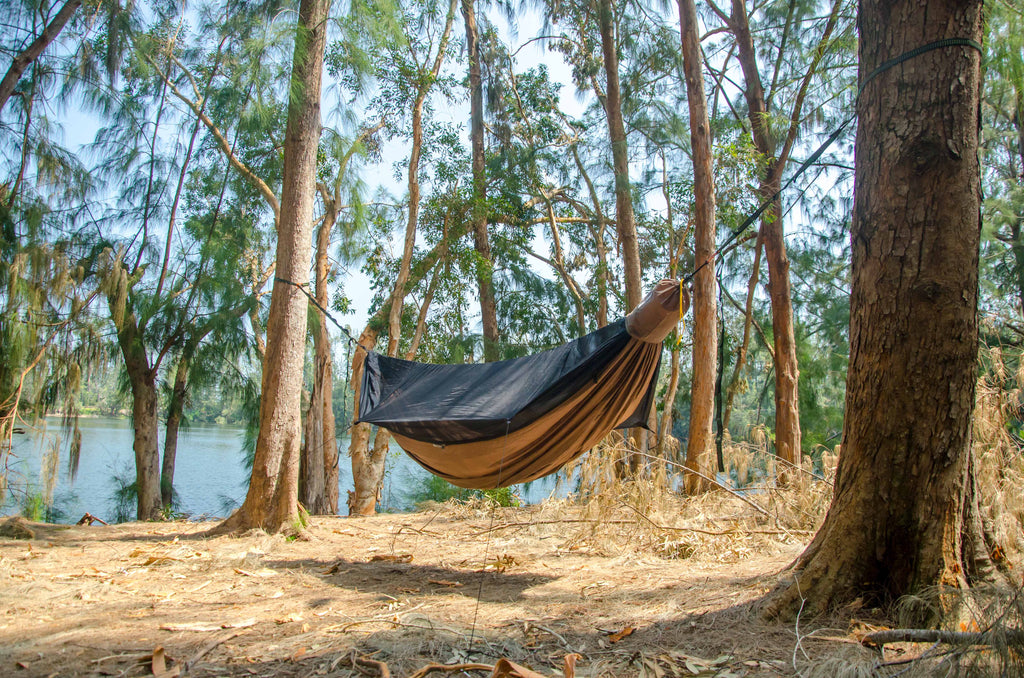 This 11' hammock includes a built-in ridgeline for maximum comfort. Try the Go Camping Hammock 2.0 by Go Outfitters, today.