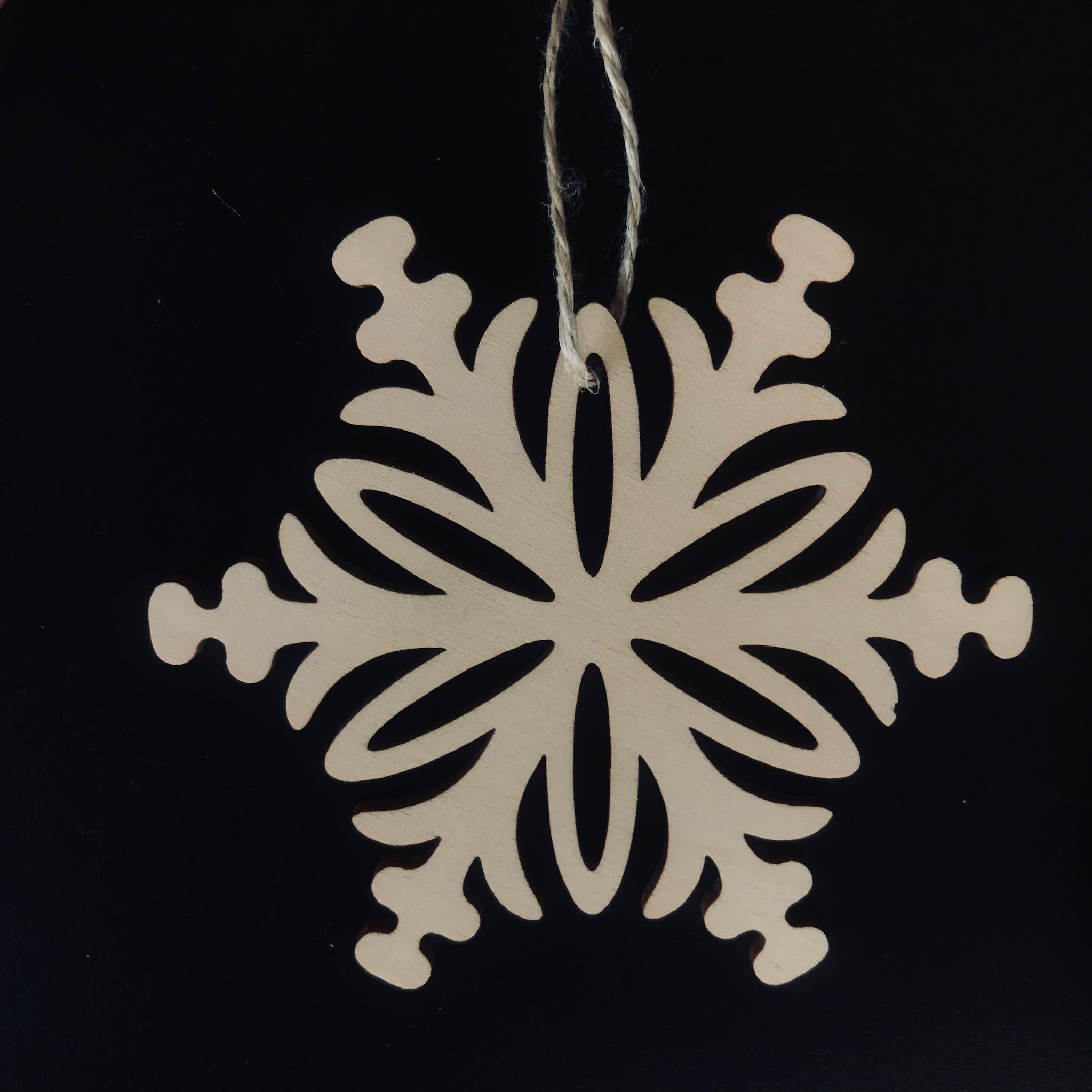 Cose Nuove Wooden Snowflake Ornament