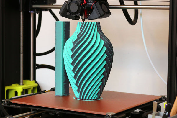 A Chromatic Vase printed by Devin Montes (Make Anything)