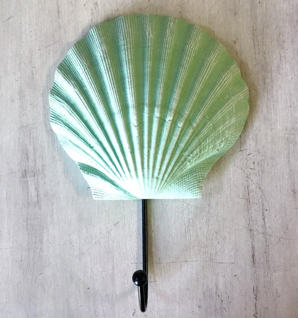 Sea Foam Scallop Shell Hook