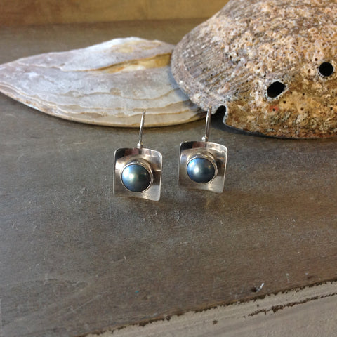 Eye of Nautilus Box Earrings