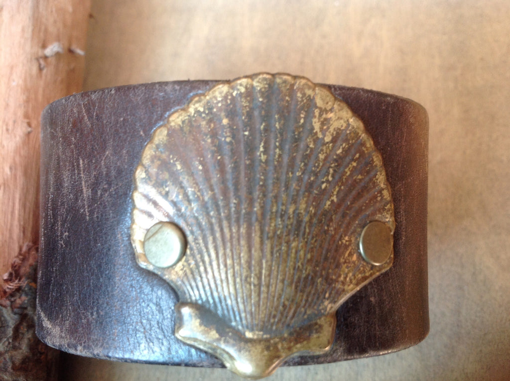 Shell Leather Cuff Bracelet
