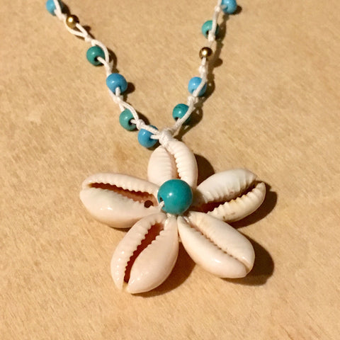 Blue Daisy Shell Necklace