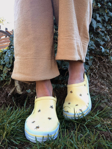 Chooka Buzz Bees Madrona Step In Rain Shoe for Urban Gardening
