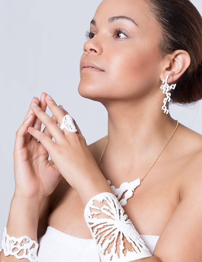 Y.Han Jewelry Plexi collection white