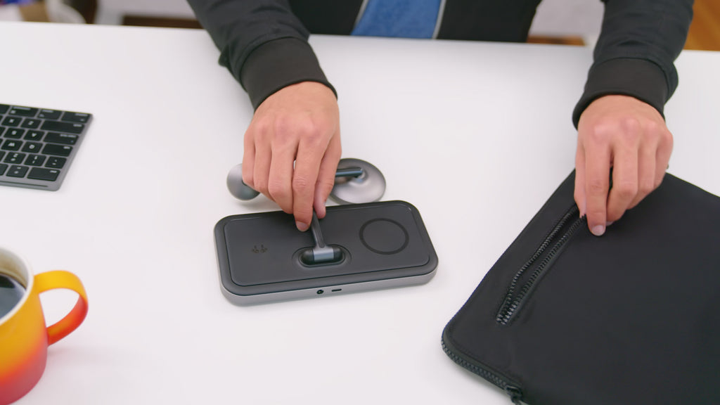https://www.kickstarter.com/projects/hypershop/hyperjuice-4-in-1-magnetic-wireless-charger-stand-for-iphone?ref=dnzdeb&token=5d7c85e8