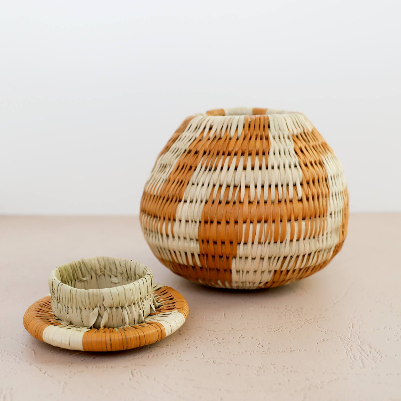 Vintage Handwoven Bayei Lidded Basket - Medium, 2