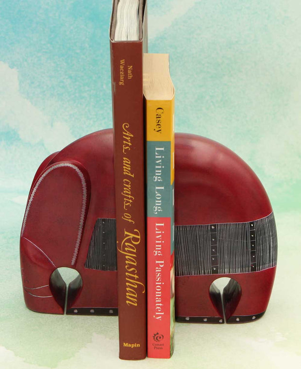 Banded elephant bookends