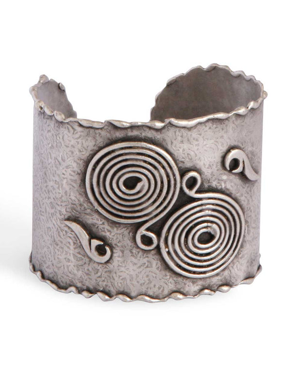 Modern Turkish Cuff Bracelet with Artistic Reliefs