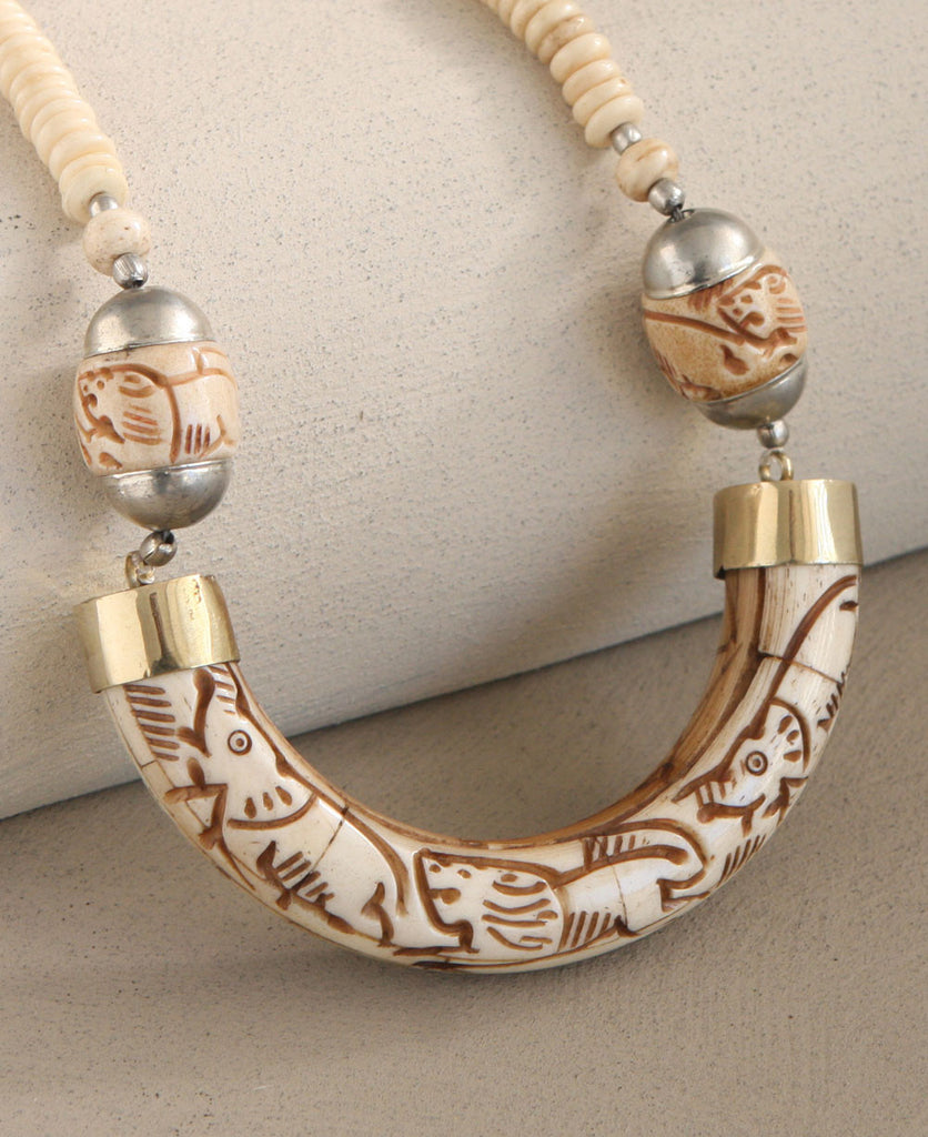Jungle Parade Curved Bone Necklace