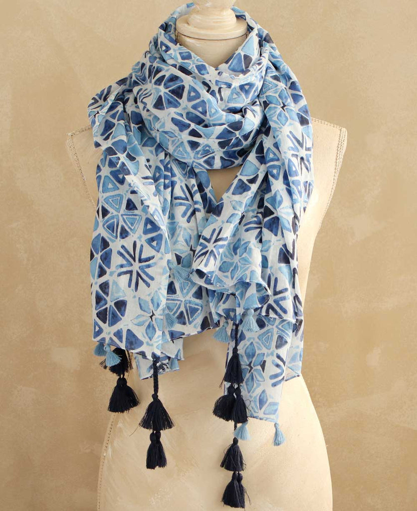 Geometric Bloom Scarf