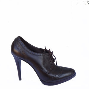 Chi-Wee's Treasure BCBGirls Wingtip Leather Oxford Stilettos in Chocolate: Size 9 1/2