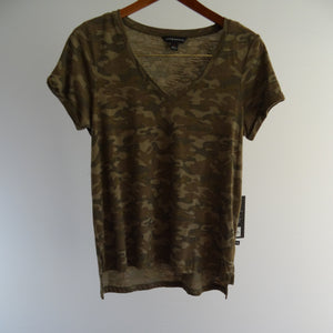 Rock & Republic Camouflage Top: Pre-Owned with tags