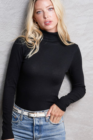 Simple Ribbed Turtleneck Top