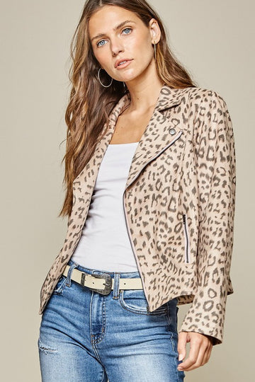 Hello Leopard Jacket! This motto leopard print jacket is the perfect addition to your Fall fresh style! Pairs perfectly with jeans or slacks. This jacket just gives you the coolest on trend look and completes any outfit! Poly/Span. Model is approx 5'9