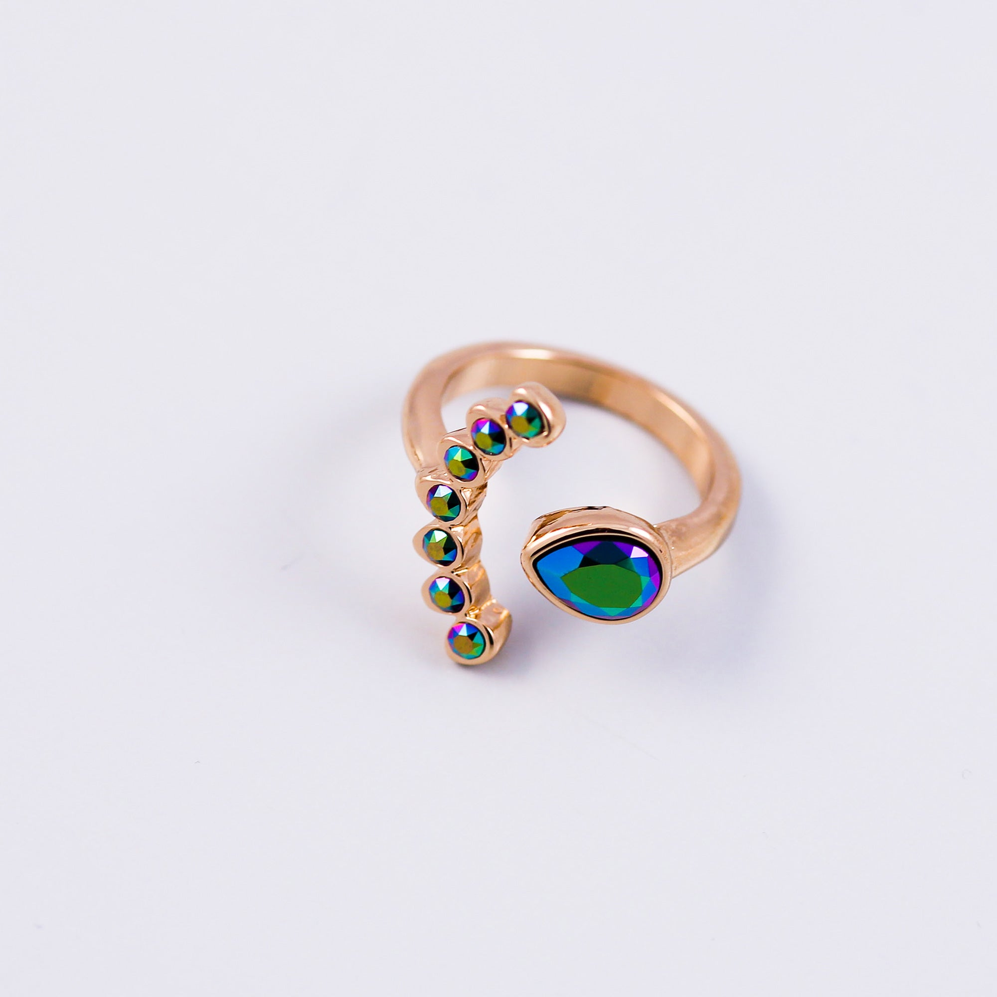 Arabesque Four Petal Flower Ring | Gold & Scarabaeus Green