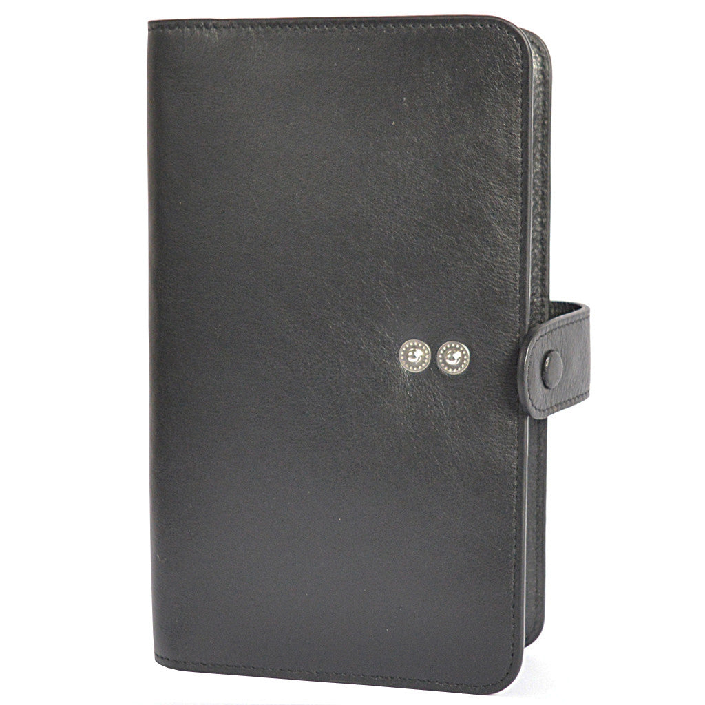 W456 travel wallet in black front view