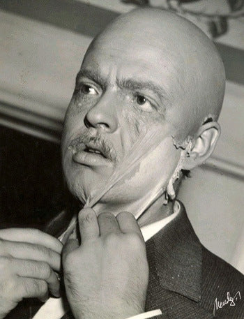 Boscutti - Orson Welles - Writer Producer Director Orson Welles removes make up on the set of Citizen Kane