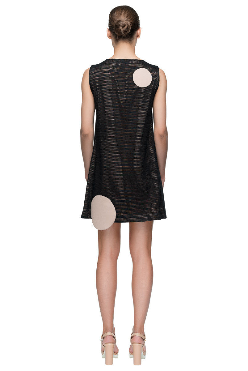 'Modern Dream' Black Sleeveless Shift Dress