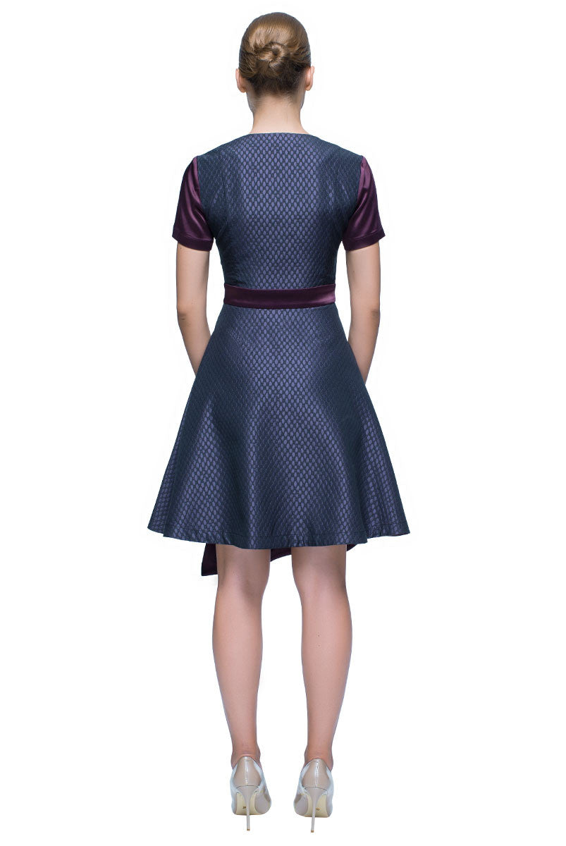 'Little Sharp Eagle' Asymmetric Short Sleeve Dress