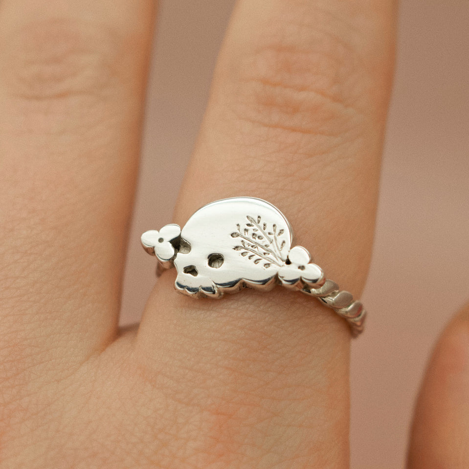 Memento Mori Mourning Skull Ring with Posies and Wreath Engraved Crown