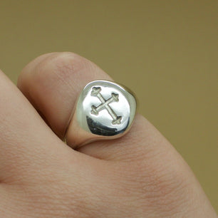 Medieval Cross Engraved Signet Ring (Brass, Silver, Yellow, White or Rose Gold) - Ring The Serpents Club